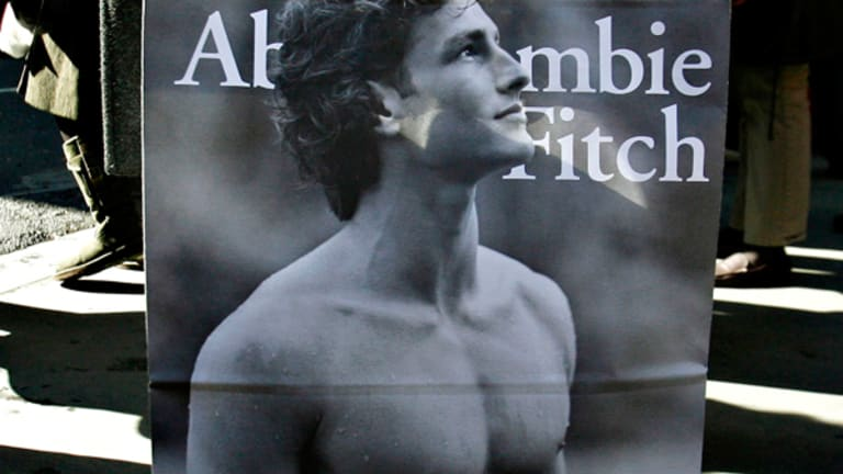 Abercrombie & Fitch Plunges on Weak Earnings, Cautious Outlook