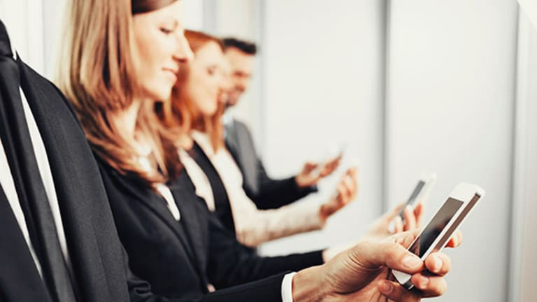 Why BYOD Is an Increasing Threat to Offices