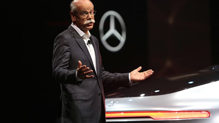 Daimler's Electric Car Efforts Getting Boost from Volkswagen's Woes