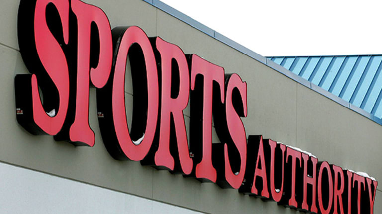 Dick's Sporting Goods CEO: Sports Authority Not the Only Mess Out There Now