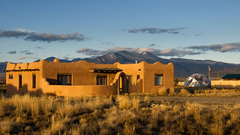 5 Luxury Cabins to Help Ring in Spring Travel