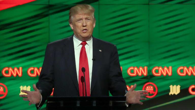 Trump, Sanders Anti-Free Trade Talk Alarms Globalization's Defenders