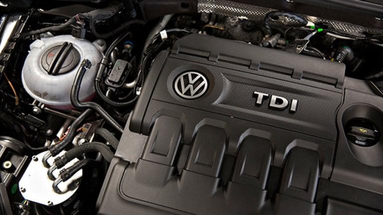 Volkswagen Tests One-Year High After $1 Billion U.S. Emissions Settlement