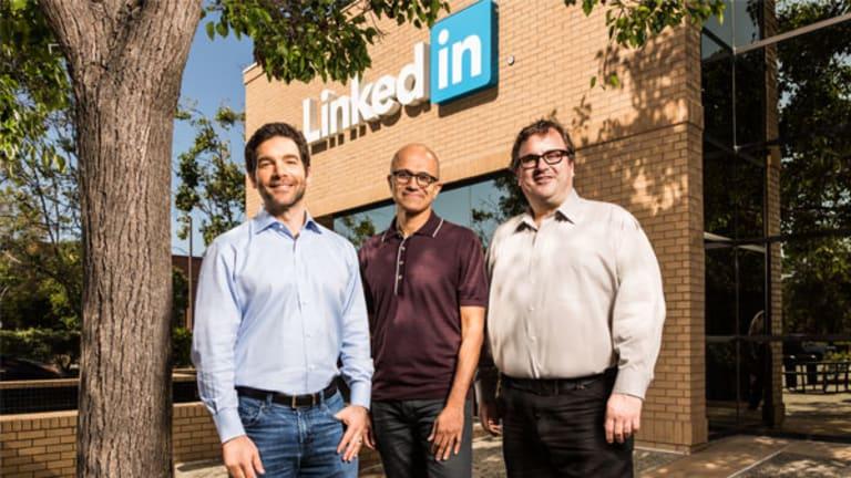 Microsoft Buying LinkedIn Won't Save the Stock