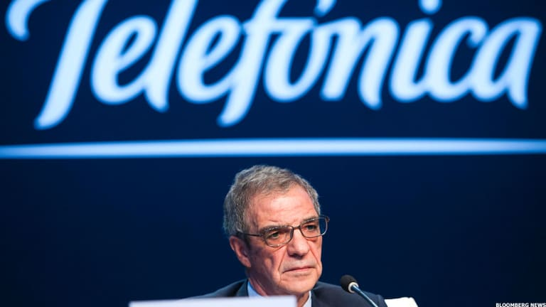 Teleco Comeback: Telefonica Tops Europe on Forecast Upgrade