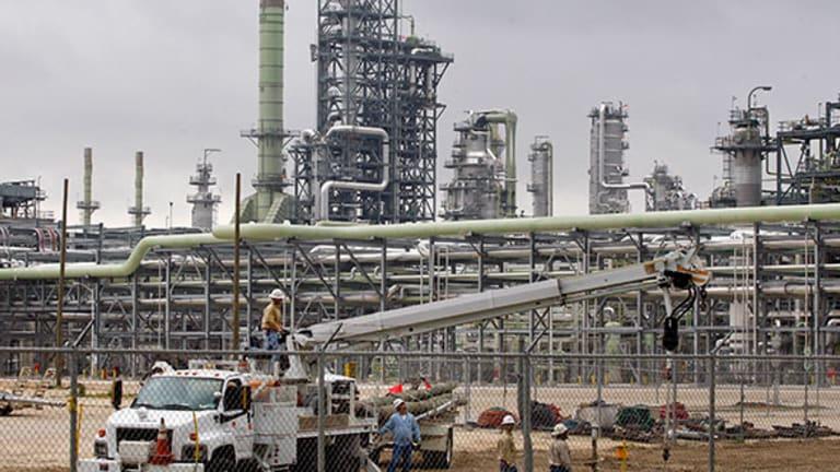 Marathon Petroleum (MPC) Stock Slumps on Lower Oil Prices