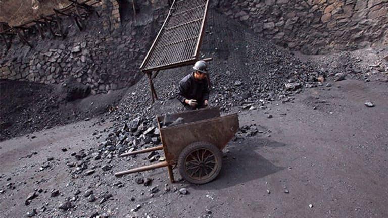 U.S. Coal Exports Surge, Adding Fuel to Trump Energy Agenda's Fire