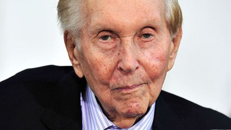 Viacom's New Board to Consider Cutting Dividend as Cash Dwindles