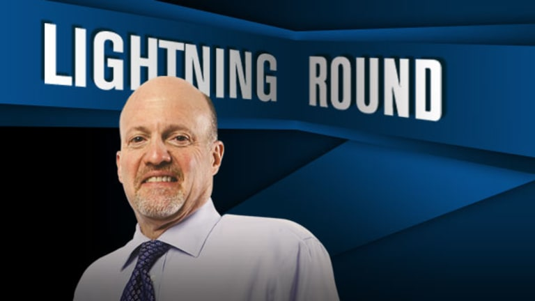 'Mad Money Lightning Round: Buy, Buy, Buy Western Digital