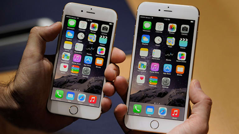 Apple Offers Unlocked iPhone 6 and 6 Plus Smartphones for All U.S. Carriers
