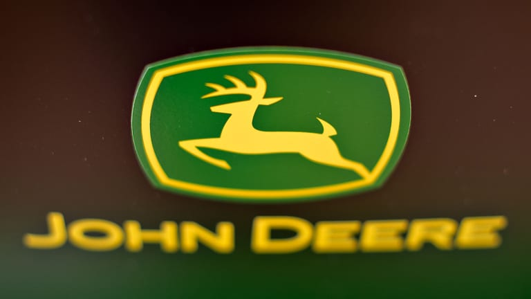 Dow Chemical and Deere Are Two Ex-Dividend Stocks to Buy Now