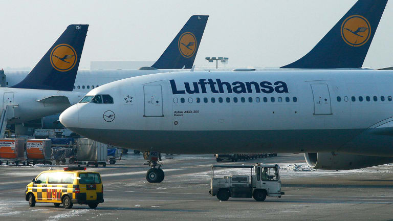 Lufthansa Dips as Fuel and Euro Ground Net Profit Despite Earnings Improvement