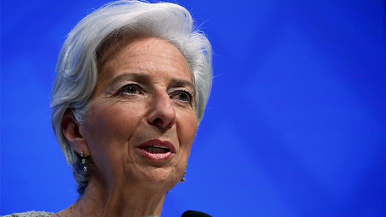 IMF Trims U.S. and U.K. Growth Forecasts as Stimulus Bets Fade