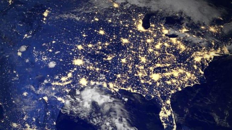 Algonquin Power & Utilities, Enbridge, CB Richard Ellis Group: 'Mad Money' Lightning Round