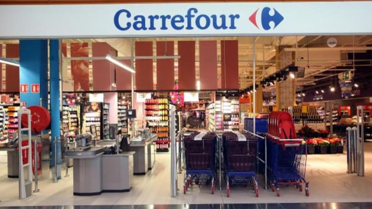 Carrefour Plunges as Earnings Fears Overshadow Strong Sales