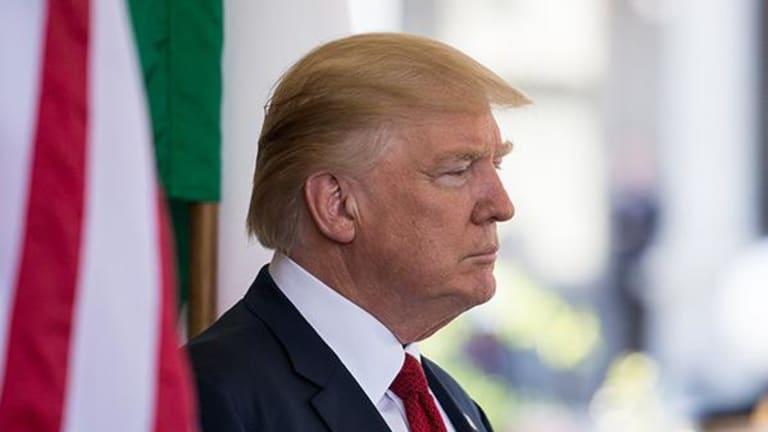 U.S. Dollar Extends Declines Amid Report Trump Exploring Pardoning Powers in Russia Probe