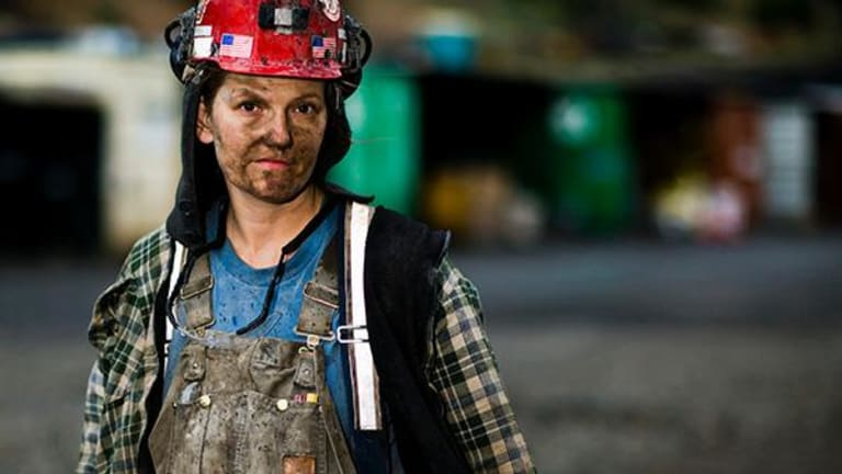 U.S. Coal Industry Is Dying, But Isn't Buried Yet
