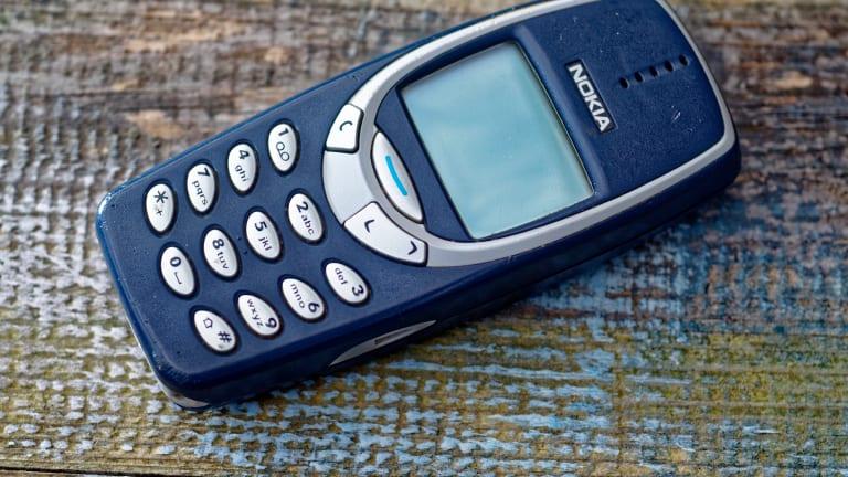 Nokia Stock Plummets on Fresh Market Warnings