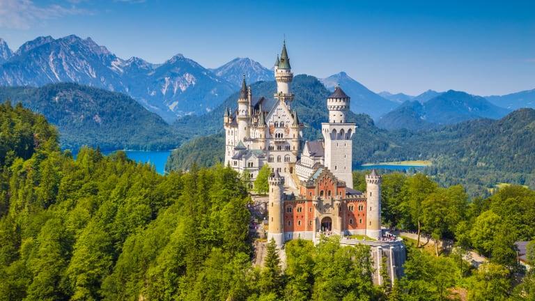 Billionaire Warren Buffett's Secret Love Affair With Castles, Revealed