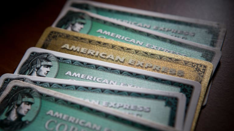 Amex Finally Joins the 21st Century by Axing Signatures on Big Purchases