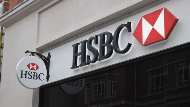 HSBC Shares Fall After Full-Year Profit Miss on Private Banking Writedown