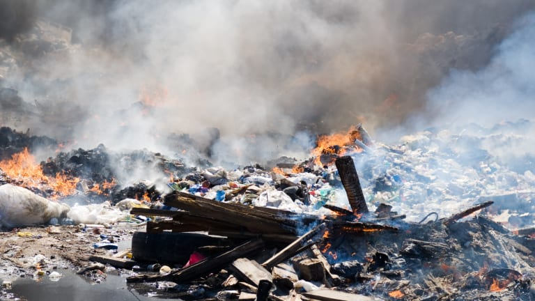The Explosive Tech Stock Rally Led by Apple Will Soon Be Nothing More Than Burning Rubbish