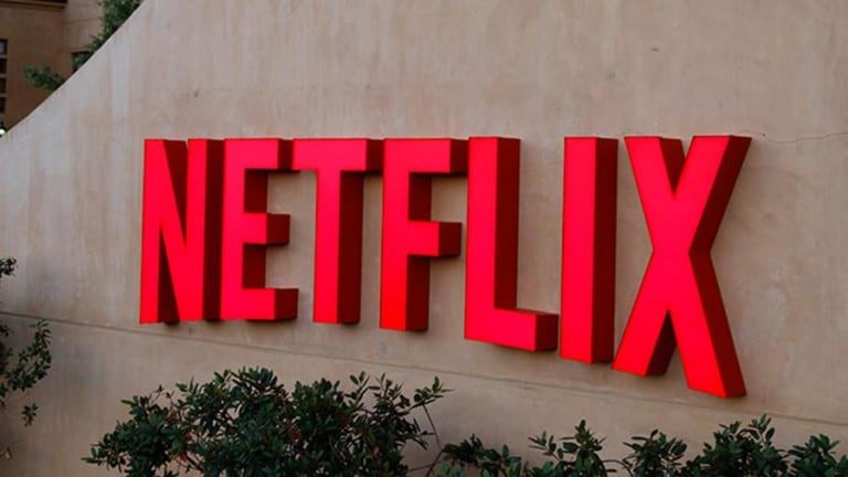 Will Netflix Stock Fall 14% if Critical Support Breaks? Here's a Look at the Charts