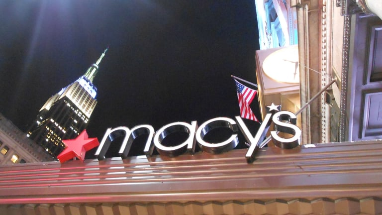 Is Macy's Stock a Buy Despite Goldman Downgrade? Here's How the Charts See It