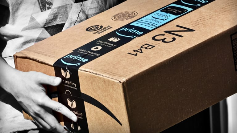 Amazon Converting 125,000 Temps to Full-Time Employees