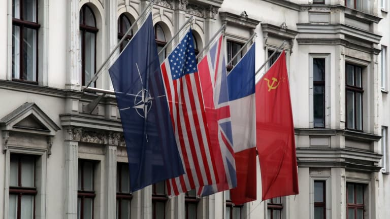 NATO meeting: solidarity reinforced despite uncomfortable time for alliance to..