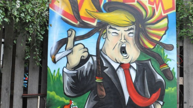 Tentative deal to replace NAFTA puts pressure on Canada in win for Trump