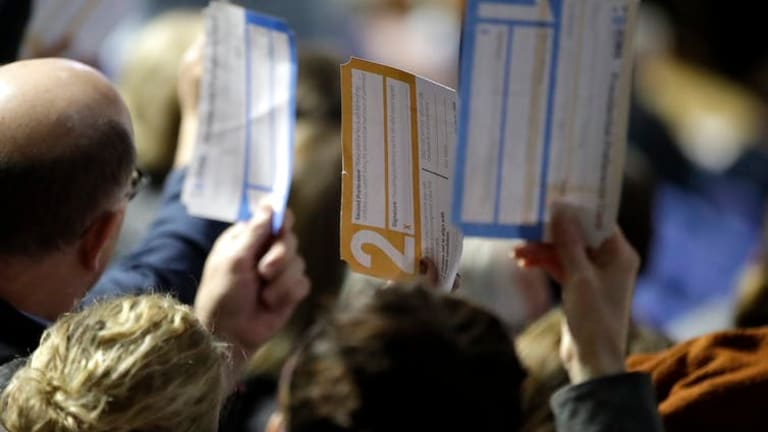 Iowa caucuses did one thing right: Require paper ballots