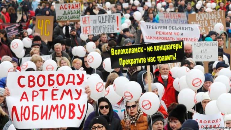Will a garbage revolt threaten Putin?