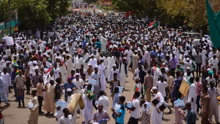 How Sudan's economic crisis had a role in protests that toppled al-Bashir