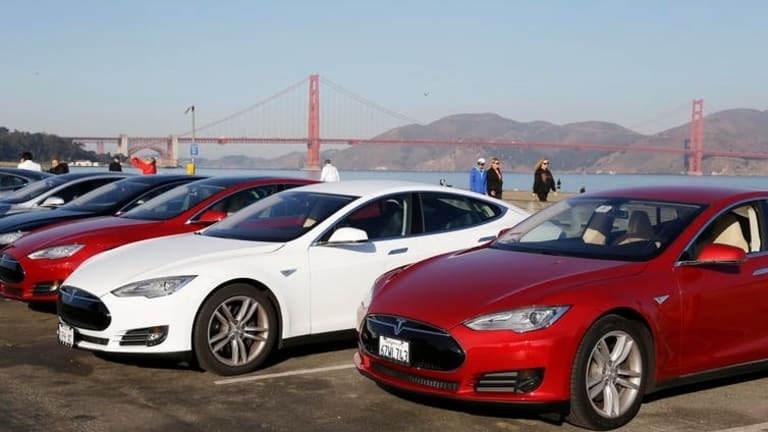 How electric cars could make America's crumbling roads even worse