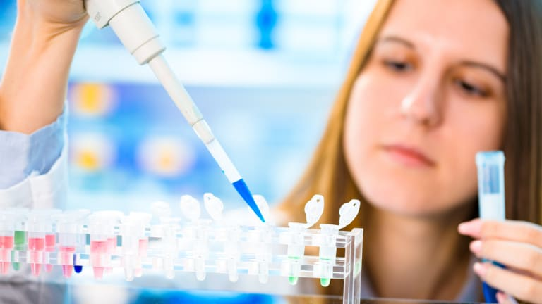 4 Analysts Say BUY This $4 Biotech Stock