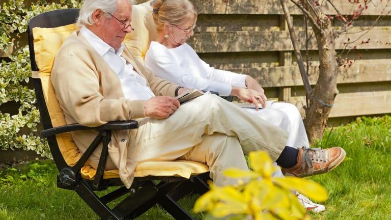Ask Bob: Am I Entitled to Social Security Spousal and Survivor Benefits?