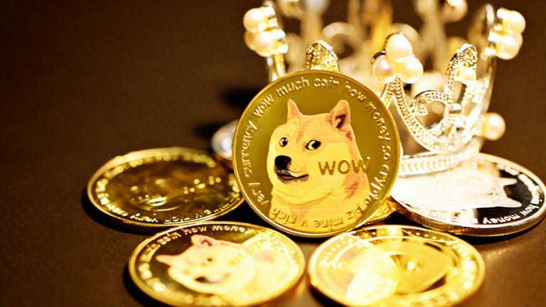 AMC Theatres to Accept Dogecoin for Payment By Year-End