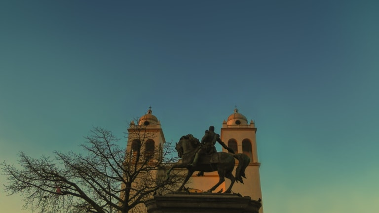 Bitcoin's First Week in El Salvador: App Problems and Regulatory Uncertainty