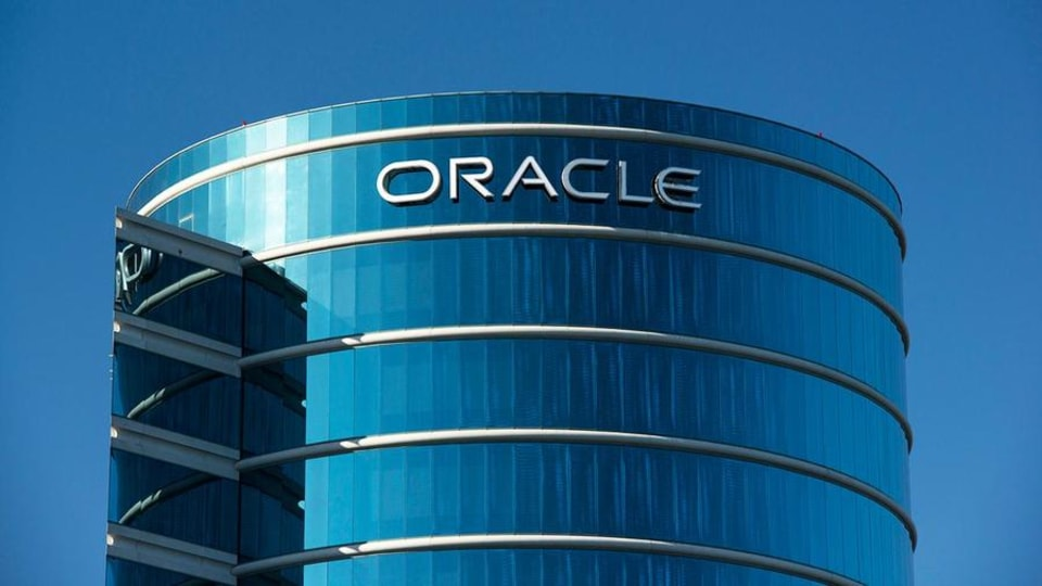 Oracle Shares Gap Lower on Earnings; Investors Face Risk to This Moving Average in 2020