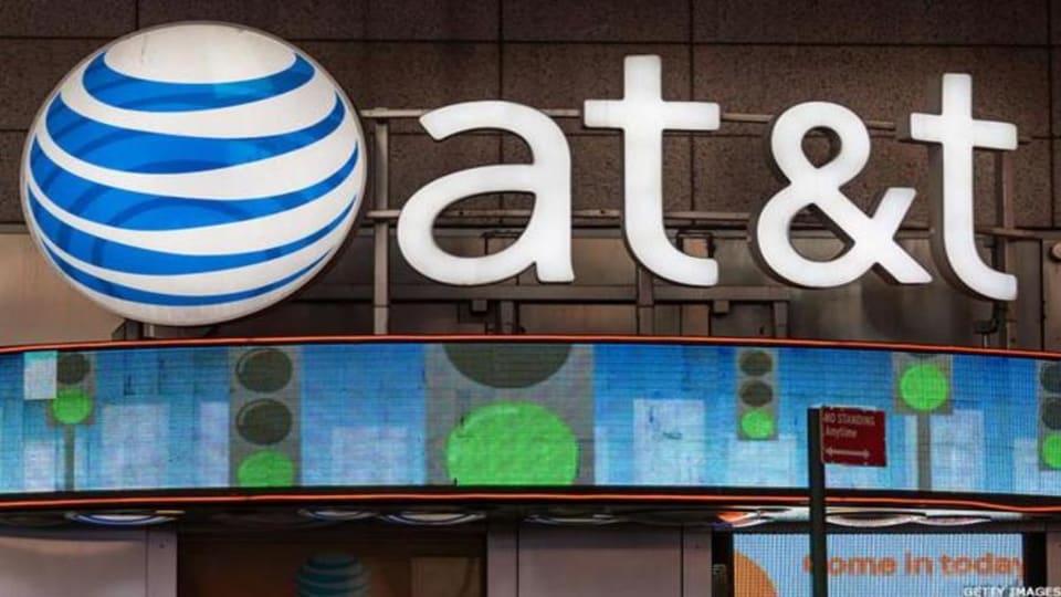 Jim Cramer Says AT&T Didn't Screw Up, Buy It
