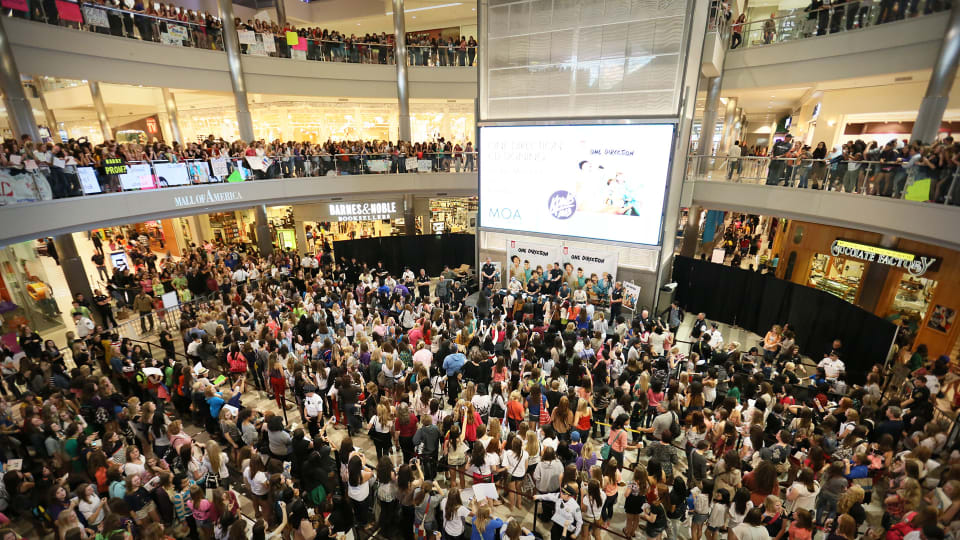 Aug 11, 1992: Mall of America Opens Its Doors To the Public