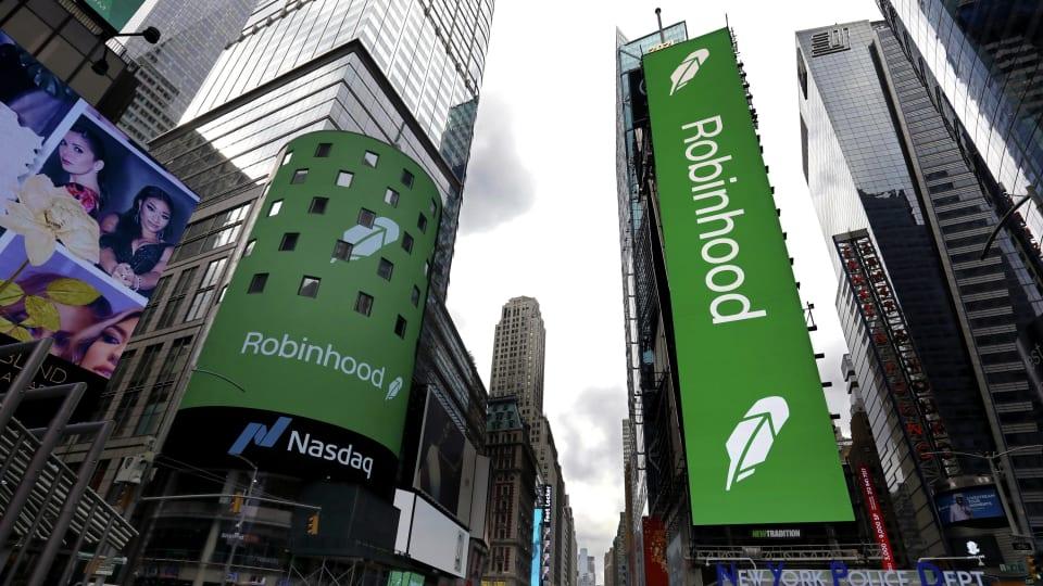 Robinhood Stock: Should You Buy Or Avoid It?