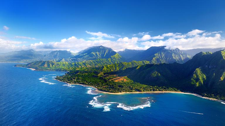 Hawaiian Holdings Falls After Deutsche Bank Spots Threat From Southwest