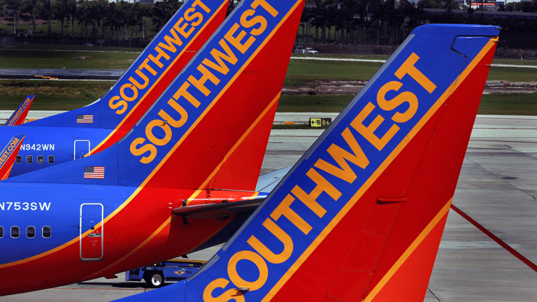 Southwest Airlines Climbs on Macquarie Upgrade to Outperform