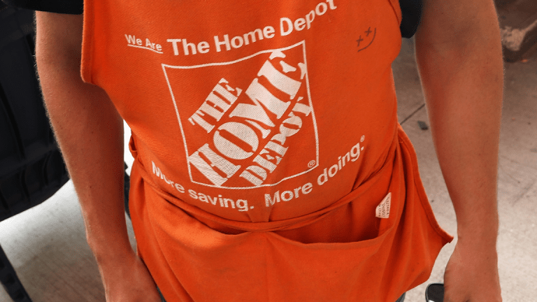 Home Depot Misses Q4 Earnings on Interline Charge; Sees Softer 2019 Profit