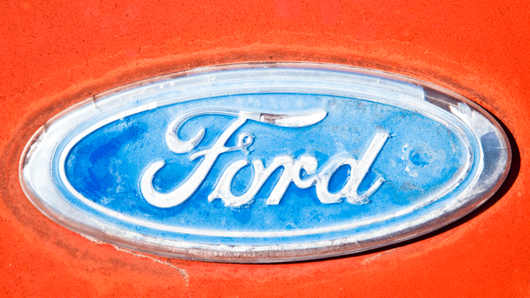 Ford Shares Surge After Q1 Earnings Beat as U.S. Sales Offset Global Weakness