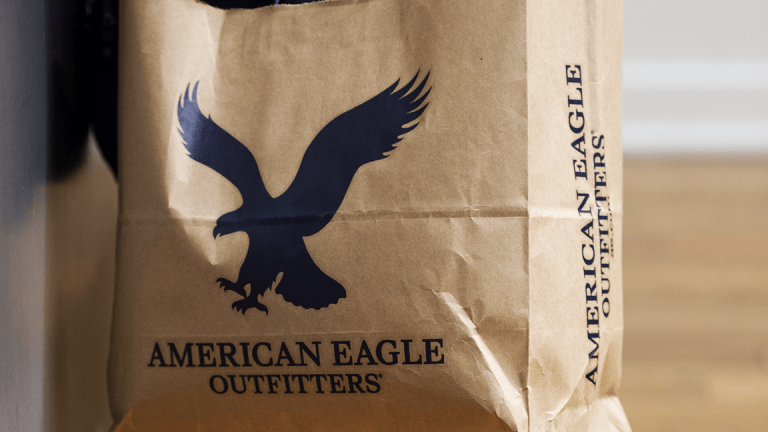 American Eagle Tops Earnings Estimate but Guides for Slower Start to 2019
