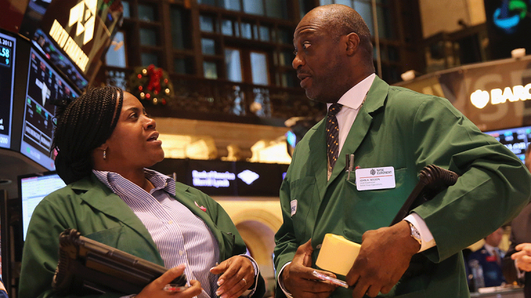 Giving Stocks as a Gift Could Be New Holiday Tradition