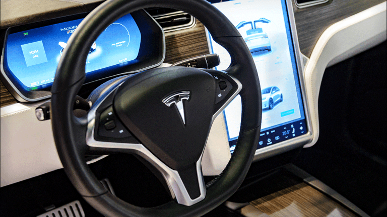 Tesla's Fleet of Self-Driving 'Robotaxis' Seems Unrealistic for Now